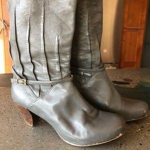 Gray Frye boot.